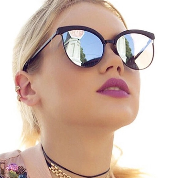 Inspired Closet Accessories - NEW! Vintage Look Mirrored Sunglasses 🕶